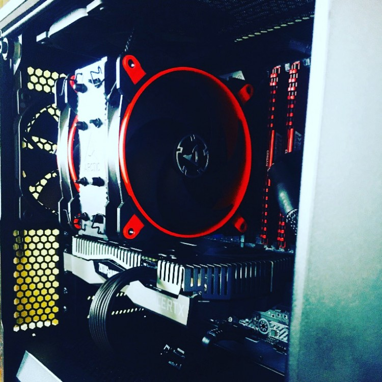 Intel 9700K | RTX 2070S